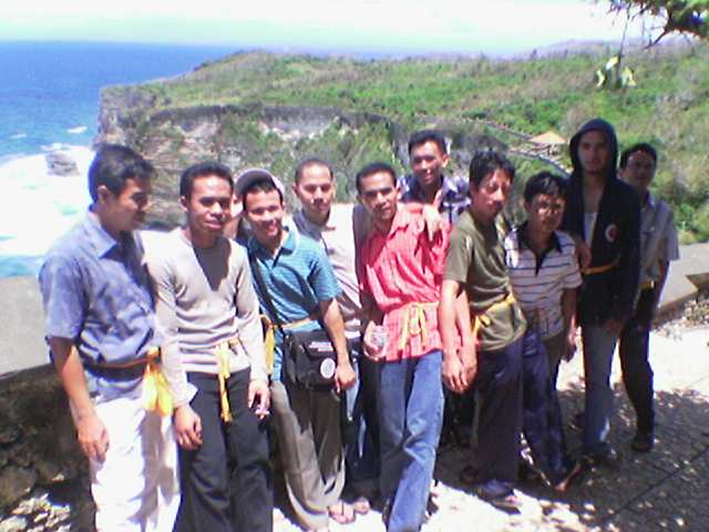Rekreasi di Uluwatu Bali Pulau Dewata