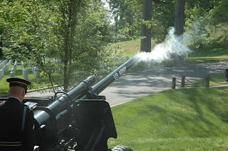 GUNS   Lingering Smoke Presidential Salute Battery   US Army 3d Infantry Regiment   THE OLD GUARD