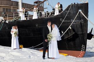 Fotokollaž pruutpaarist Tallinna Lennusadamas