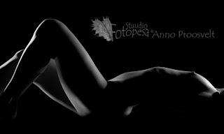 fotostuudio Fotopesa aktifoto, mustvalge