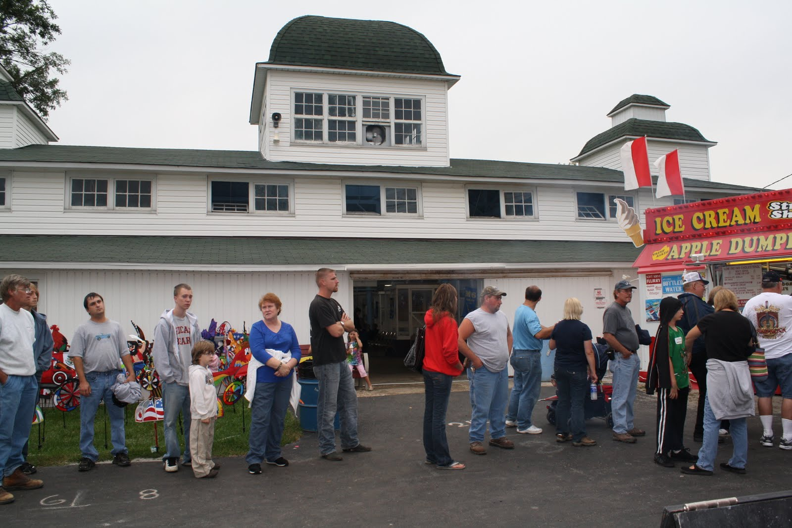 Illinois will county peotone - The Will County Fair Exhibition Hall Houses The Fair S Fine Arts Vegetable And Crop Departments For Example In The Fine Arts Category