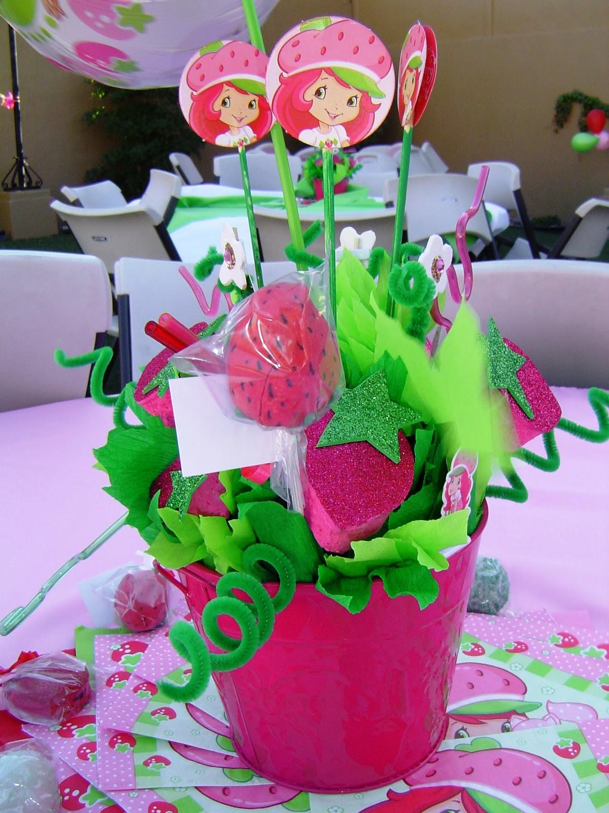 Los Centros De Mesa Con Nuestras Cake Pops En Forma De Fresa