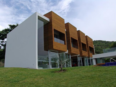 House on Lot 23 by Juan Esteban Correa Elejalde