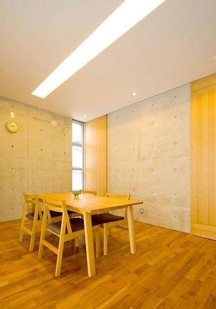 Japanese minimalist townhouse design house plans classic for Minimalist townhouse design