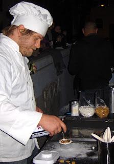 CREME BRULEE MAN TORCHING CREME BRULEE AT THE ANNIVERSARY PARTY sf FOOD cart cremebruleecart
