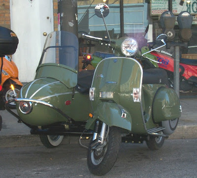 Philadelphia Scooters: Avocado Genuine Stella and Sidecar