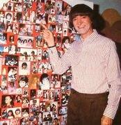 Enviame tu foto con Carlitos y muy pronto aparecerás en el Blog