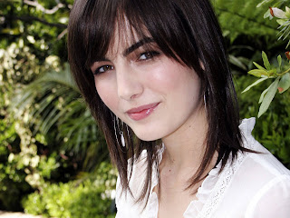 Free wallpapers without watermarks of Camilla Belle at Fullwalls.blogspot.com