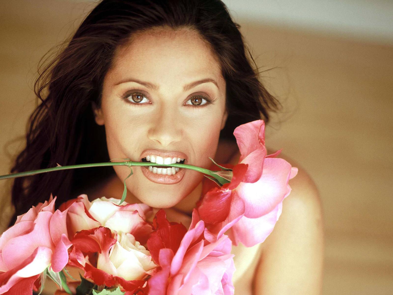 http://1.bp.blogspot.com/_Si7zjQmZnm4/Sy_go2w4fLI/AAAAAAAAGRc/9s1z13QDTbA/s1600/Fullwalls.blogspot.com_Salma_Hayek%2848%29.jpg