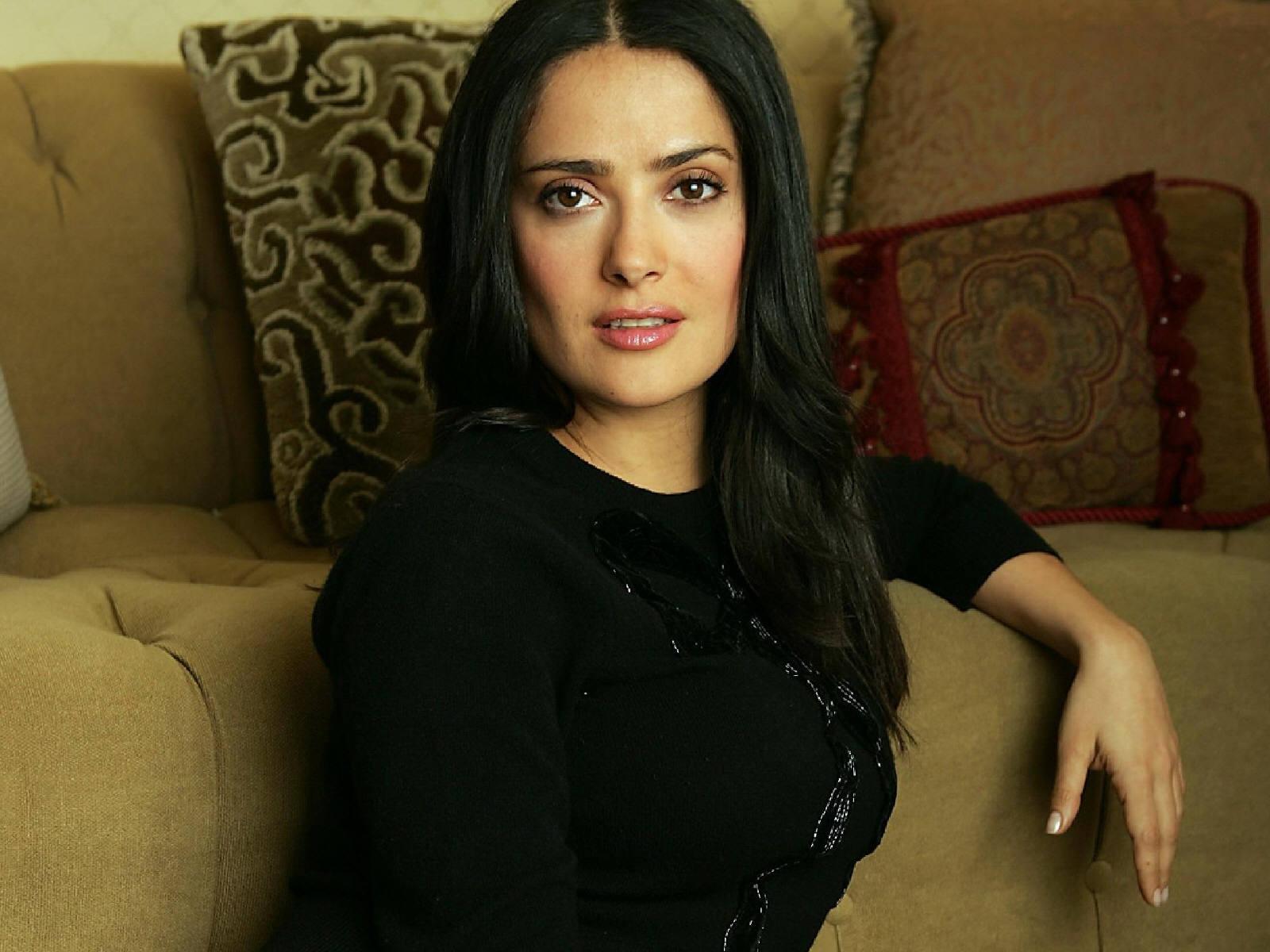 http://1.bp.blogspot.com/_Si7zjQmZnm4/Sy_kYYzmDMI/AAAAAAAAGWU/rBpJDE0G6oI/s1600/Fullwalls.blogspot.com_Salma_Hayek%289%29.jpg