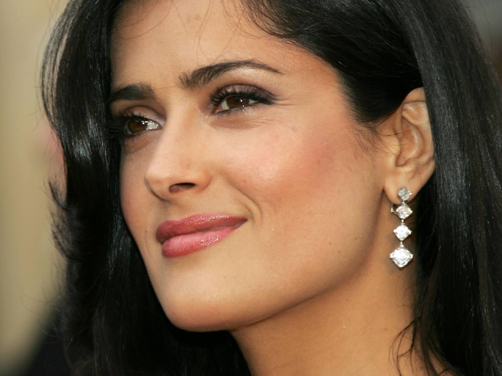 http://1.bp.blogspot.com/_Si7zjQmZnm4/Sy_lAdjax3I/AAAAAAAAGW8/EgJ4j4qCT9M/s1600/Fullwalls.blogspot.com_Salma_Hayek%284%29.jpg
