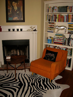 Corner fireplaces awkward living room layout with corner fireplace for Awkward living room layout with corner fireplace