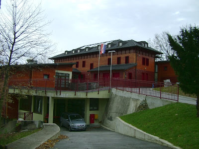 Dom Crvenog križa - garaža