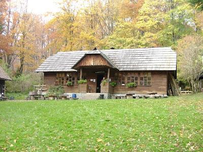 Glavna drvena dvorana