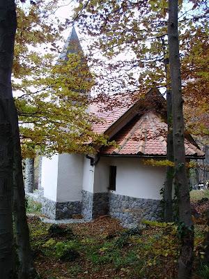 Kapelica hrvatskih mučenika odozada