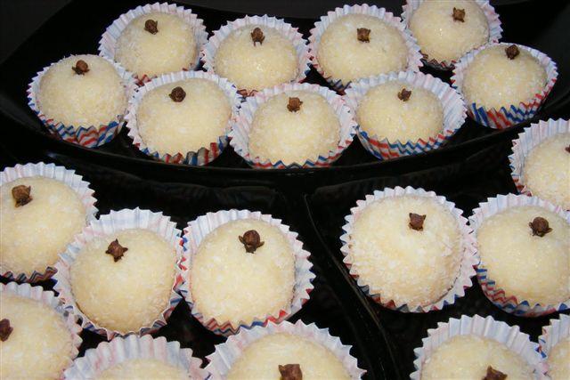 Ponto de Pérola: Brigadeiros de coco