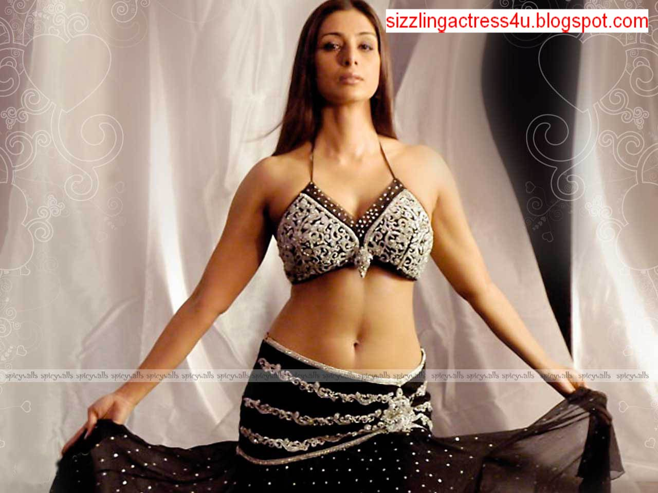Images Of Sizzling Actress Tabu Unseen And Navel Pics