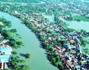 foto banjir karawang