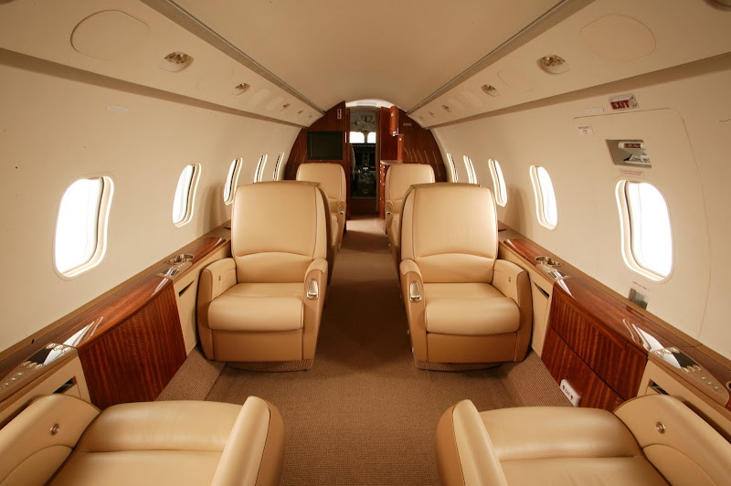Mid-Sized Charter Jets Challenger 300