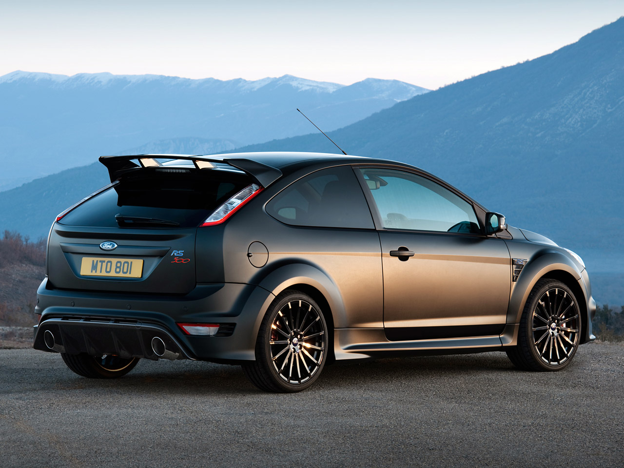 gambar ford focus rs500 turbocharged 2011 gambar. Black Bedroom Furniture Sets. Home Design Ideas
