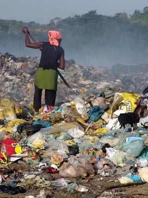 O 'milagre da multiplicação dos lixos' e a encruzilhada da Política Nacional de Resíduos Sólidos. Entrevista especial com Maurício Waldman