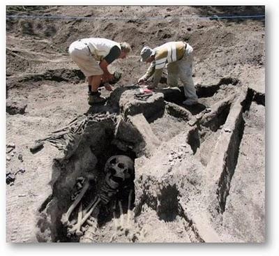 Telah ditemukan Foto Fosil Manusia Raksasa   diliat dari tulang dan    Foto Manusia Alien