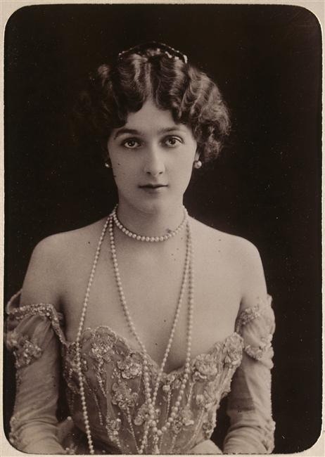 Vintage Fashion Photography Blog
