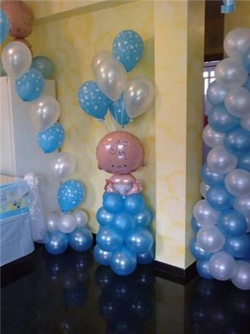 Decoracion con globos y articulos de fiesta for Decoracion con globos para bautizo