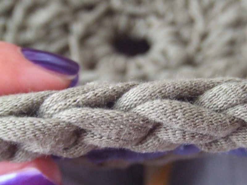 Centi bastelt Teppich aus TShirtGarn