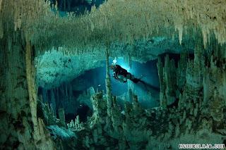 Dunia Air Bawah Tanah di Meksiko