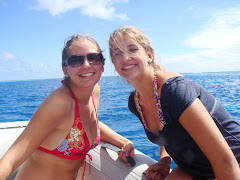 Beautiful girls in Moorea