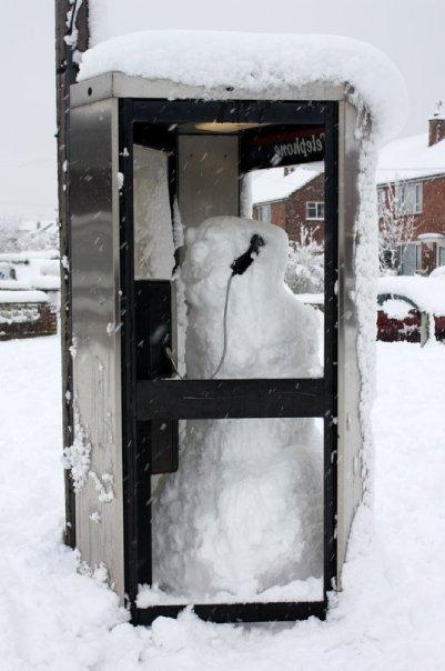 [Snowman+phone+box]
