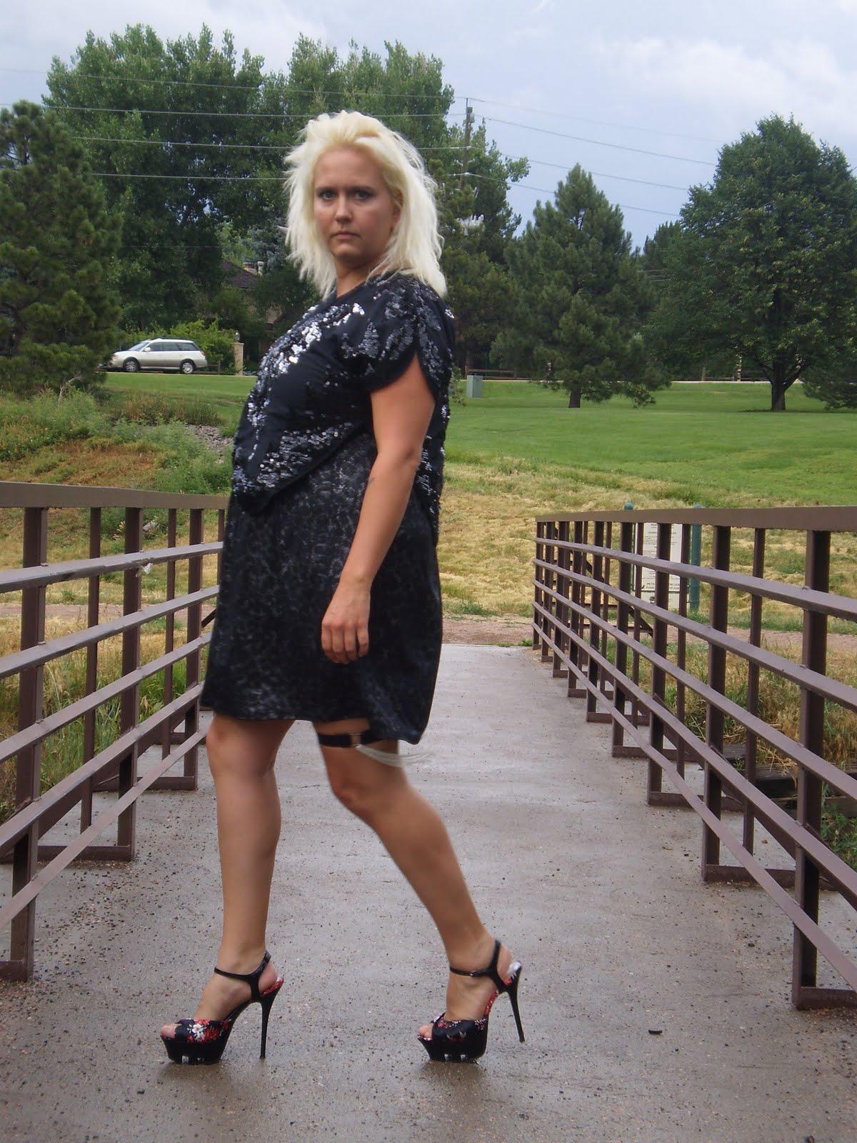 http://1.bp.blogspot.com/_StU_ShT6Dj8/TDEd7AyJgkI/AAAAAAAAEus/wP_9AicsRys/s1600/glitter+1.JPG