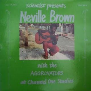 Neville Brown. dans Neville Brown front