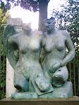 Dos mujeres, de Mitoraj