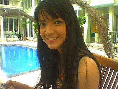 Foto Cinta Laura on Foto Video 3gp Siswi Smu Bugil Gambar Cewek Smp Sma Telanjang Artis