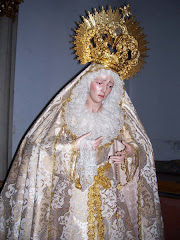 Dulce Nombre de María, ruega por tus hijos.