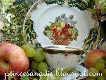 té con uvas y manzanas