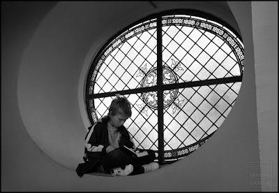 retrato de niño en blanco y negro