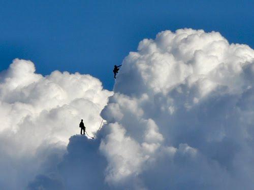 [cloud+climbing]