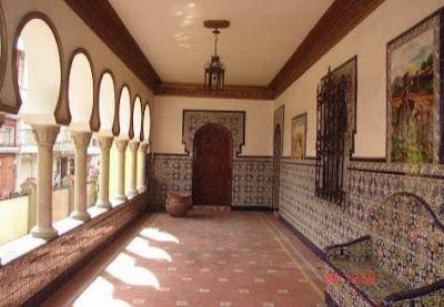 Pórtico de la Alhambra poblana