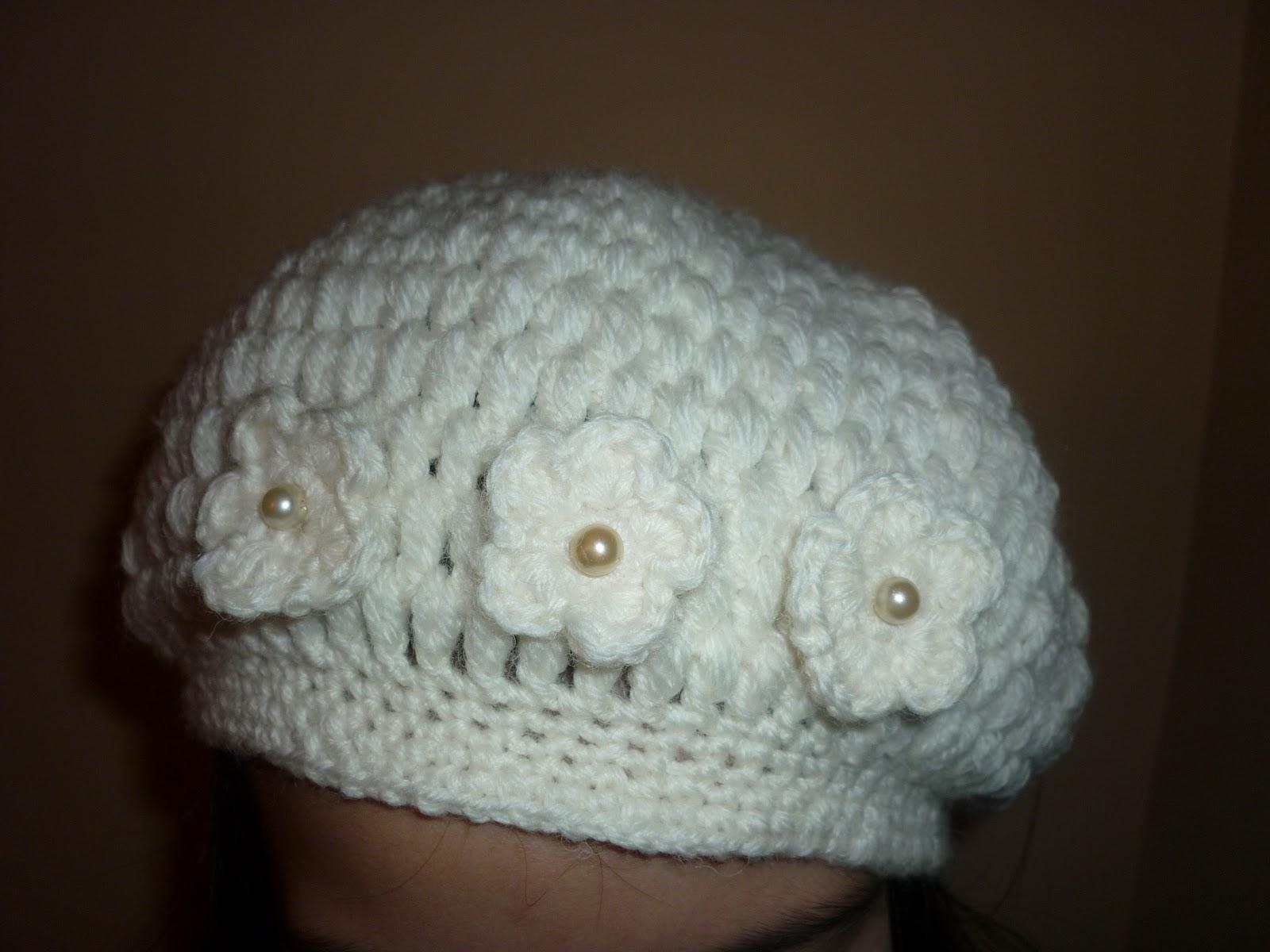 Шапка плетена на една кука