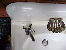 Scallop soap dish wall mount sink