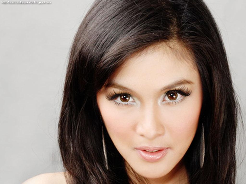 Sandra Dewi Bugil