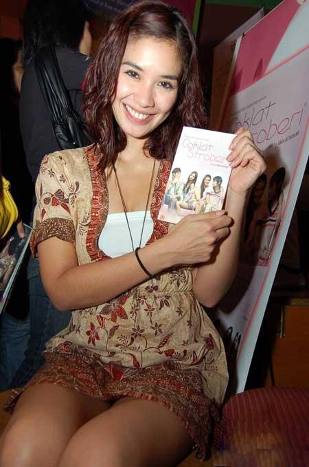 paha artis Marsha timothy Sexy