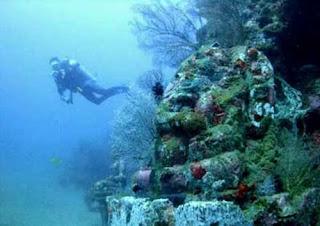 gambar foto Misteri candi di bawah laut