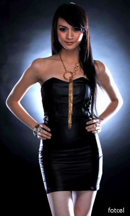 hot Donita toket bugil - sexy Donita with black dress