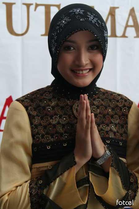Meyda Safira - Pemeran Husna Sinetron  Ketika Cinta Bertasibih -  Pemain KCB