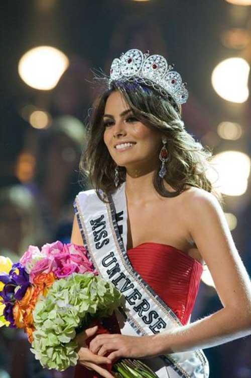 Pemenang Miss Universe 2010 - Jimena Navarrete Miss Meksiko