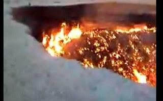 pintu neraka lubang api kejadian aneh 2010 fenomena alam